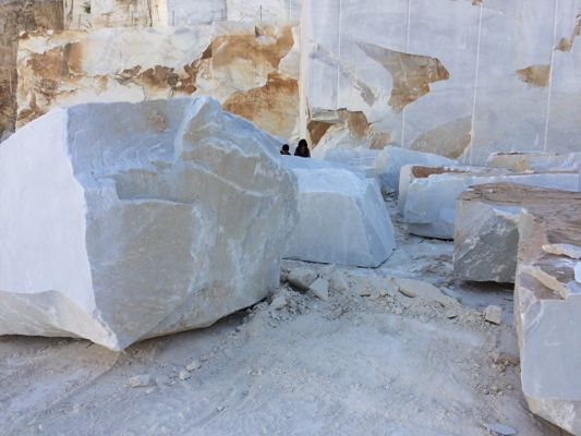 Big pieces of marble up at Cave Michelangelo quarry, Carrara